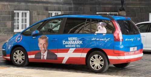 Reklama na autě