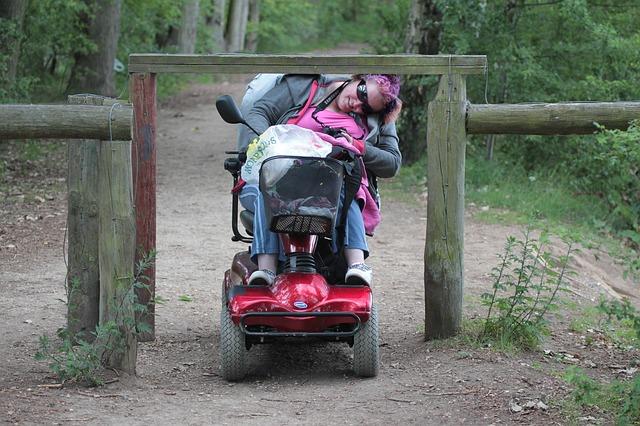žena na invalidním vozíku.jpg