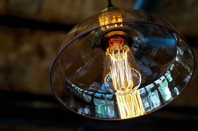 lampa se skleněným krytem
