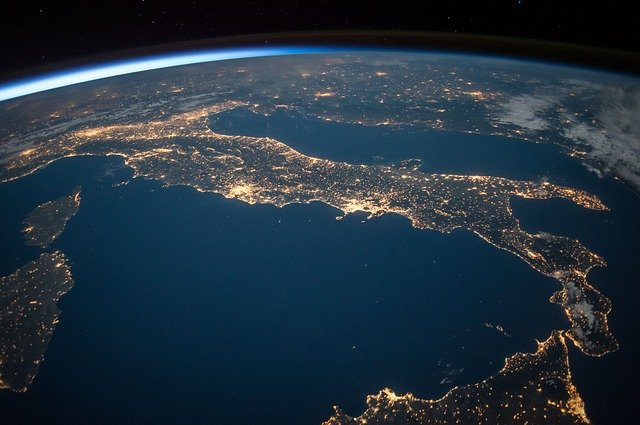pohled na Apeninský poloostrov z vesmíru.jpg